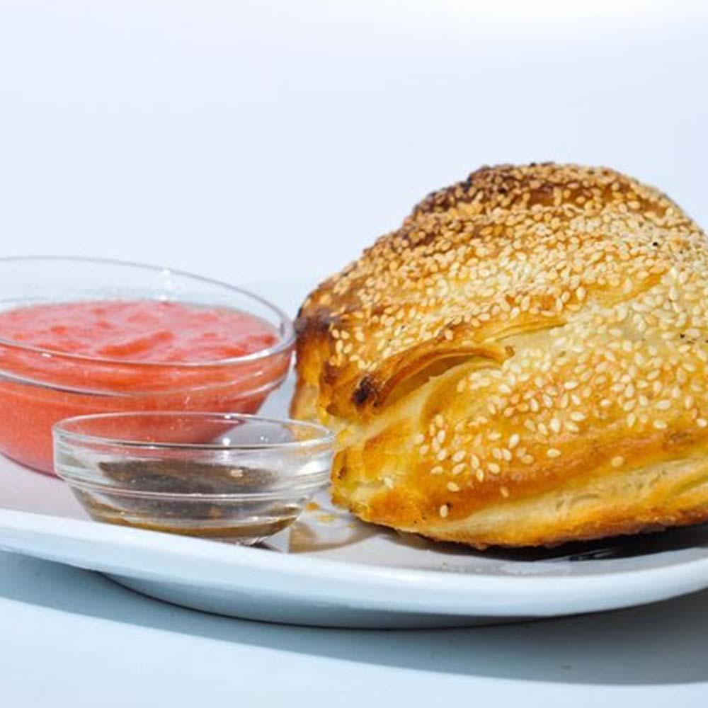 באלי מאפה במילוי גבינה צהובה